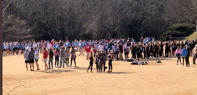 A photo showing University of Georgia students gathering at the intramural fields this past weekend made the rounds on Twitter.