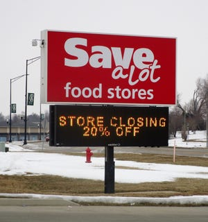 Save a Lot to close