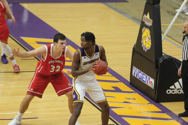 Western Illinois' Tamell Pearson looks to score during Friday's game.