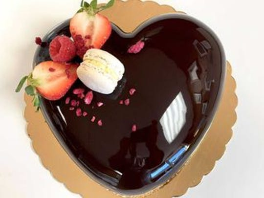 Heart-shaped Metisse Cake