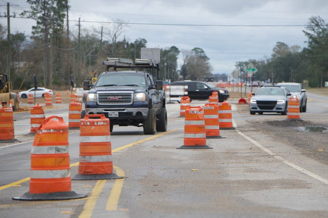 The Florida Department of Transportation on Sunday night began shifting westbound traffic between Klondike Road and Surrey Drive onto the eastbound side of the roadway to allow for work on turning lanes to start in that section.