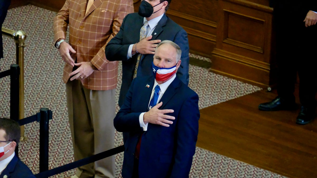 Video shows Texas lawmaker near Capitol steps as mob clashed with police officers