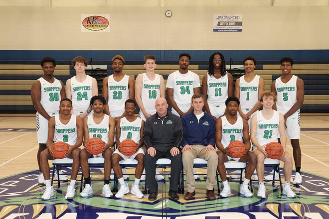 Pictured are the SRC men's basketball team.