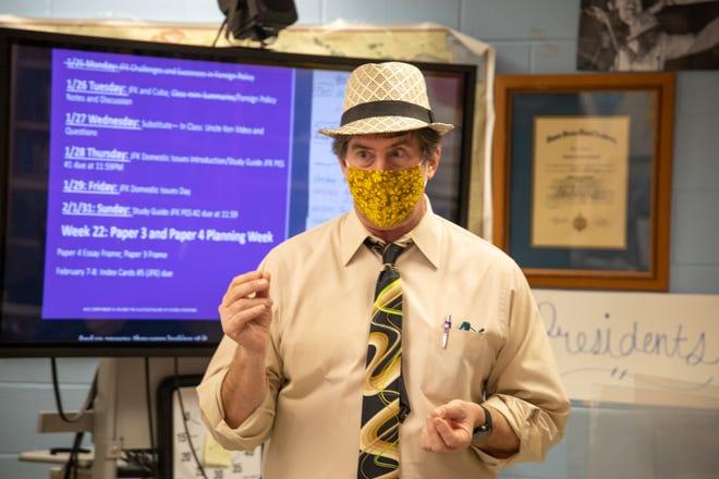 Duval County Teacher of the Year Jim Schmitt teaching at Mandarin High School. Photo by Jerial Fennell