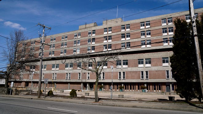 A developer wanting to build a veterans housing and education facility has closed on a deal to buy Memorial Hospital in Pawtucket, Mayor Donald R. Grebien says.