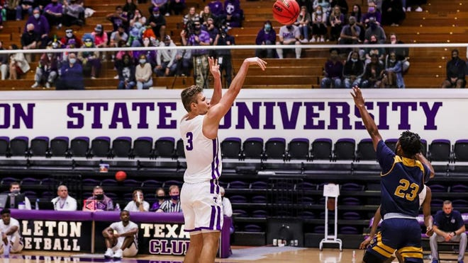 Konstantin Dotsenko, pictured, and Montre Gipson combined for 48 points as Tarleton had its highest scoring outburst since 2015 in a 113-53 rout over Howard Payne on Monday in Wisdom Gym.