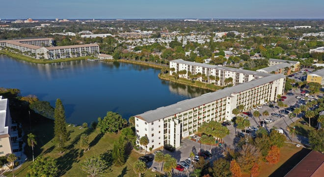 Located in the Cedar Hammock section of south Bradenton, Bayshore on the Lake is a condo community with nearly 800, reasonably priced units. The neighborhood takes its name from the fact that more than half of the buildings wrap around a large central lake, offering spectacular views to many of its residents.