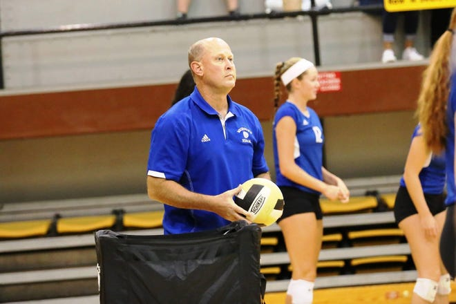 Washburn Rural volleyball coach Kevin Bordewick, who has nearly 900 victories in 26 seasons as head coach, has been named the national girls volleyball coach of the year by the National Federation of State High School Associations.