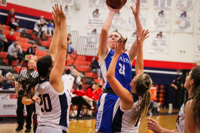 Kylie Allen led the Lady Panthers with 11 points in the victory over Aubrey.