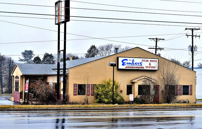 The former Embers Restaurant building at 100 Memory Lane in Springettsbury Township, Tuesday, Jan. 26, 2021. Dawn J. Sagert photo