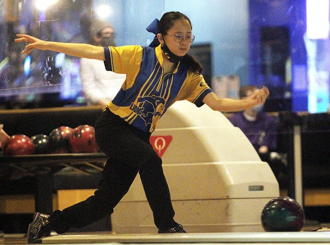 Gahanna's Lilu Smith was averaging 218.7 through 21 games, leading all girls bowlers in the COHSBC.The Lions girls team also has been battling for league titles in the COHSBC-B Division and the OCC-Central.