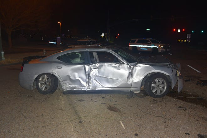 Collierville officers attempted to arrest a suspect on traffic chargeswhen the suspect accelerated the vehicle and dragged two officers until the car crashed north of Shelby Drive, police said.