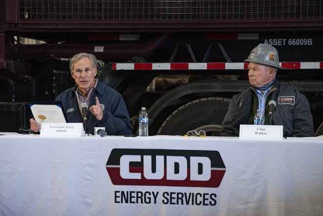 Gov. Greg Abbott on Thursday asked state agency heads to look for opportunities to sue the Biden administration over environmental policies that restrict the oil and gas industry, a strategy state leaders followed during the Obama administration.