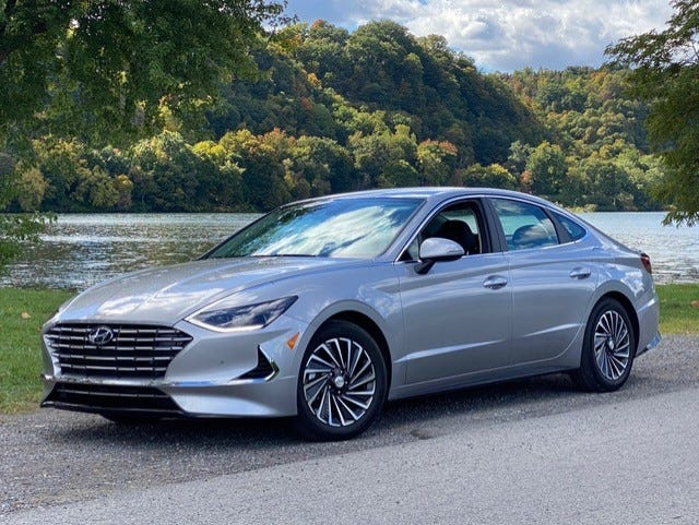 The 2020 Hyundai Sonata Hybrid provides a seamless transition from gas to electric and vice-versa.