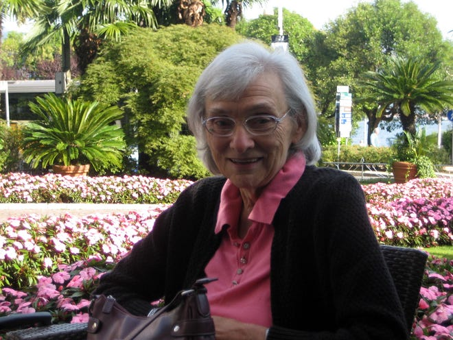 Longtime Cape Cod Times journalist Peggy Eastman, who loved gardening, is remembered as a kind mentor and determined reporter who was the matriarch of the newsroom.