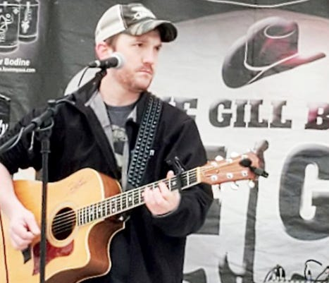 Country music singer Jake Gill will give a free concert in Pratt on Sunday, January 31 at 2 p.m. at Jack Ewing Park.