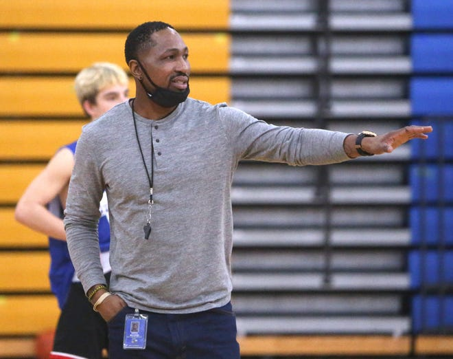 East Canton head basketball coach Keith McLeod leads practice at the school on Thursday, Jan. 28, 2021.