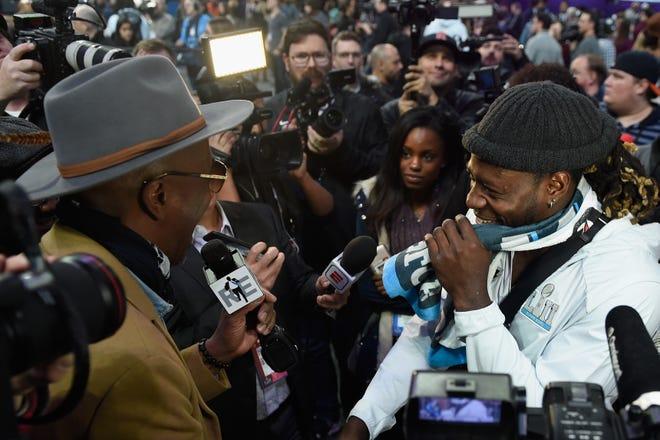 Con el tradicional día de medios del Super Bowl archivado debido a COVID-19, no habrá escenas la próxima semana como esta cuando el actor y comediante JB Smoove entrevistó a Jay Ajayi de los Philadelphia Eagles en el Super Bowl 52.