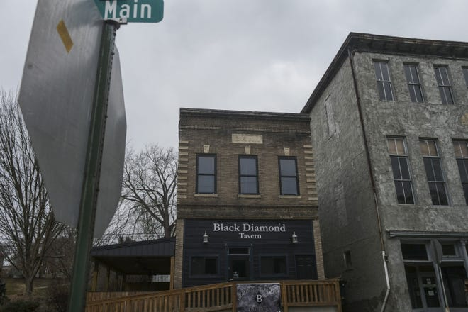 The newly opened Black Diamond Tavern in Shawnee. The tavern has partnered with brewing students at Hocking College to offer their beer on tap.