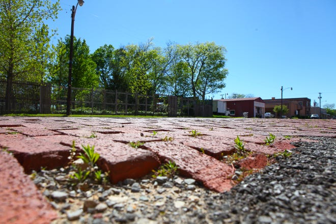 Until 2016, Chestnut Street was paved with characteristic red bricks. These were replaced by modern concrete pavement as a part of utility work on the road. Now, city officials are looking for ways to preserve the city's remaining brick roads.