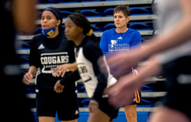 Illinois Central College women's basketball head coach Karrie Redeker keeps an eye on her players during a recent practice.