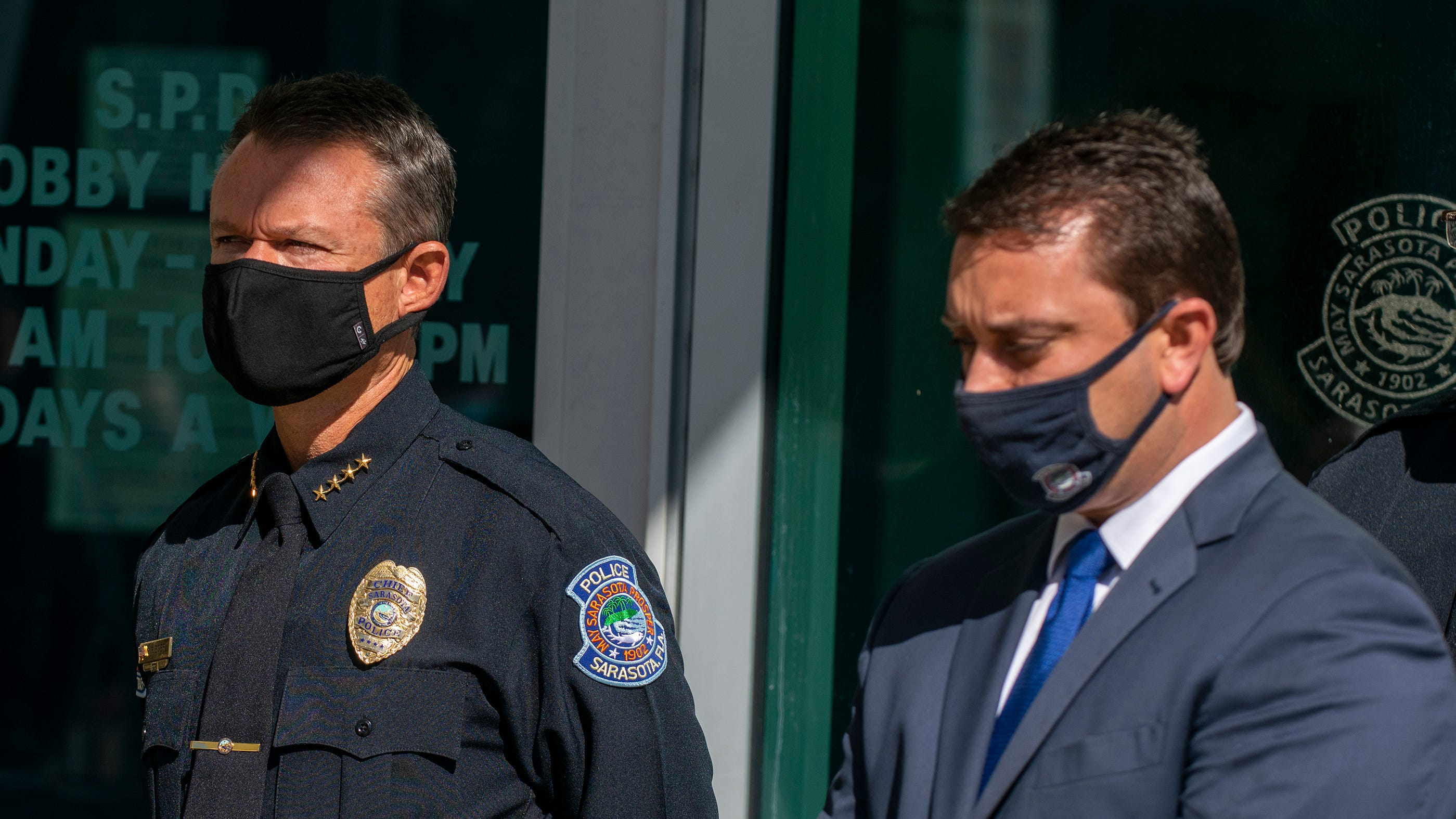 Sarasota Mayor Hagen Brody and Sarasota Police Chief James Rieser at a recent press conference.