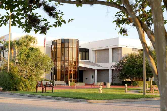 Florida State College in DeSoto County, one of the few sites in the county to have fast and reliable internet service.