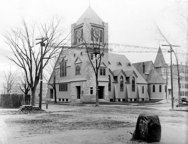 Worcester's Park Congregational Church in 1898, in image taken from a glass-plate negative.