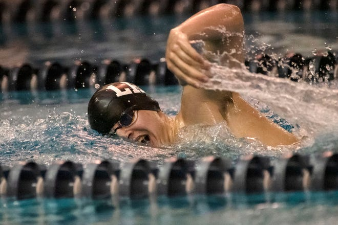 Lakeview's Phillip Shenefield competes in the 500-yard freestyle on Thursday, Jan. 28, 2021 at Battle Creek Central High School.