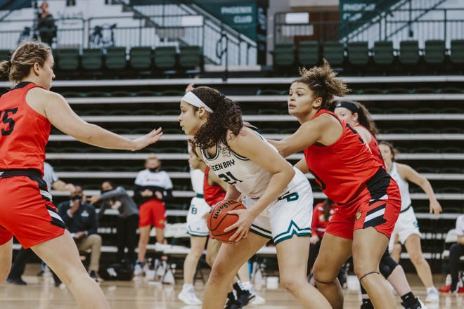 UWGB freshman forward Jasmine Kondrakiewicz had seven points in the Phoenix's 60-55 win over IUPUI on Friday at the Kress Center.