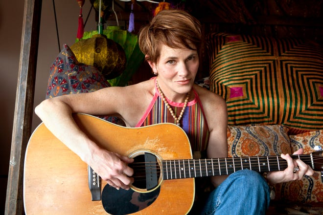 "Shawn Colvin and dozens of other famous musicians are gathering online to perform for ""Food For Love,"" a special Valentine's Day ""eve"" concert that will raise money for New Mexico's hard-hit food banks and help feed families and children right here in Doña Ana County."