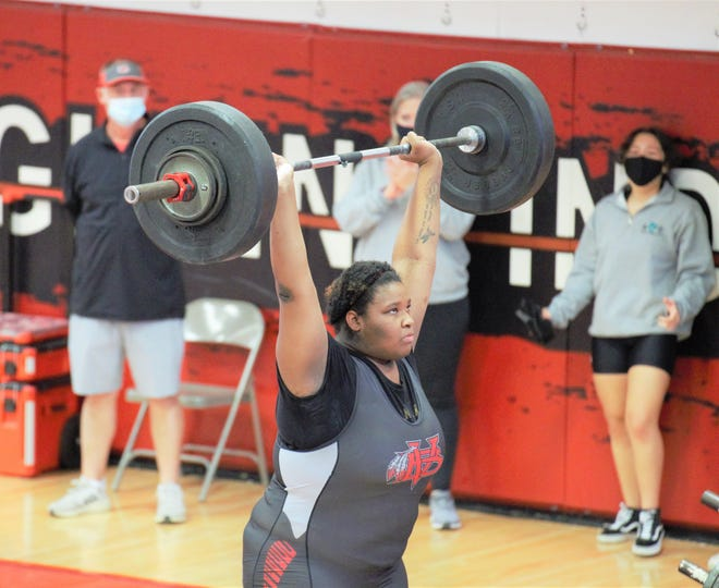 Vero Beach's Aiyana Harrington took the championship in the unlimited division with a 420-pound total at the Region 4-3A girls weightlifting meet at Vero Beach High School on Saturday, Jan. 30, 2021.