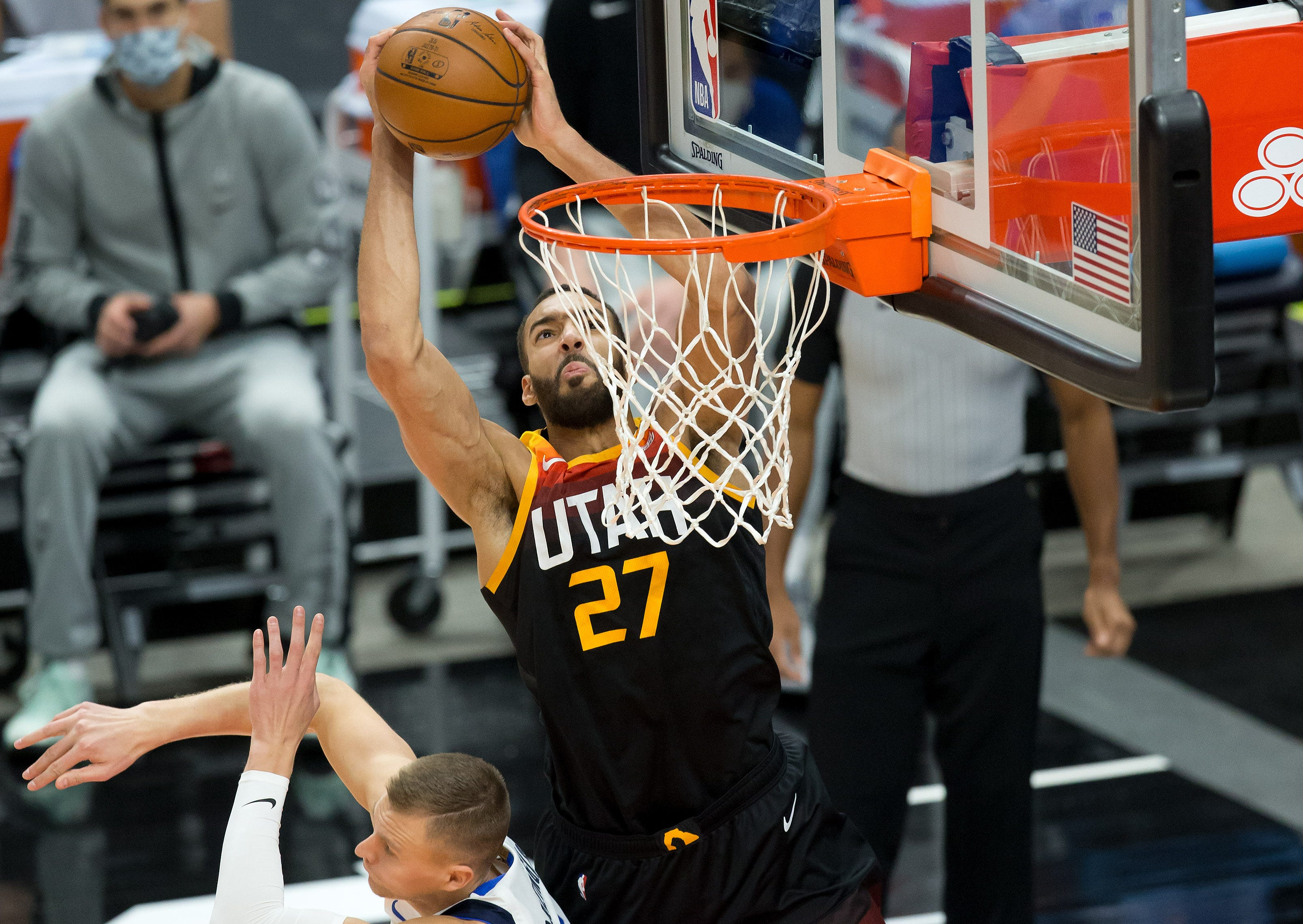 Jazz Win 11th Consecutive Game By Burying Mavericks In 3 Pointers