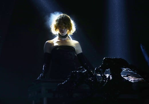 """Electronic&nbsp;<a href=""""https://www.usatoday.com/story/entertainment/music/2021/01/30/grammy-nominated-pop-artist-producer-sophie-dies-34/4323507001/"""" rel=""""noopener"""" target=""""_blank"""">pop artist and musician</a>&nbsp;Sophie Xeon, popularly known as just Sophie died. on Jan. 30. She was 34.<br /> <br /> &quot;Tragically our beautiful Sophie passed away this morning after a terrible accident,&quot;&nbsp;the artist's family said&nbsp;an emailed statement provided by Sophie's representative, Ludovica Ludinatrice. &quot;True to her spirituality she had climbed up to watch the full moon and accidentally slipped and fell. She will always be here with us. The family thank everyone for their love and support and request privacy at this devastating time.&quot;"""
