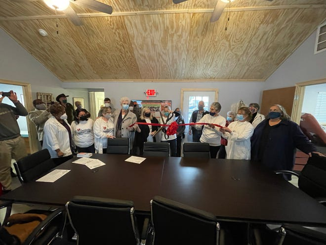 The Smithville Community Clinic celebrated the expansion of its facilities at 300 Lynch St. with a ribbon cutting last week.