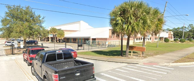 Motorists begin lining up outside DeBary Elementary School, 88 W. Highbanks Road, to pick up students in January 2020. The City of DeBary and the Volusia County school district are teaming up to fund changes to the pickup loop, because of longtime traffic issues caused by the current design.