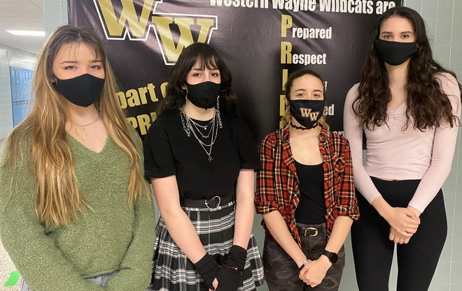 Pictured are Western Wayne Art Students who have been recognized this year by the Scranton Times in their Artist of the Month Contest.  From left: Irene Sheehan, Cori Talarico, Abigail Lopez, and Noelle Cruz.