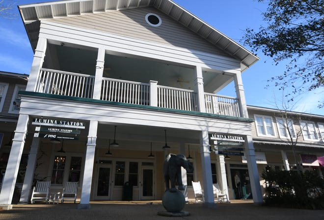 1900 Restaurant & Lounge has been a part of Lumina Station at 1900 Eastwood Road near Wrightsville Beach for more than 8 years. STARNEWS FILE PHOTO