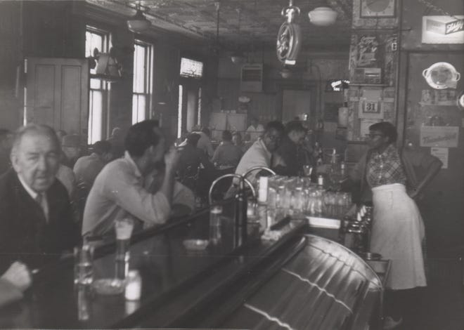 Ahlrichs Bar and Grill, Eighth and Baymiller streets, West End, 1950s.