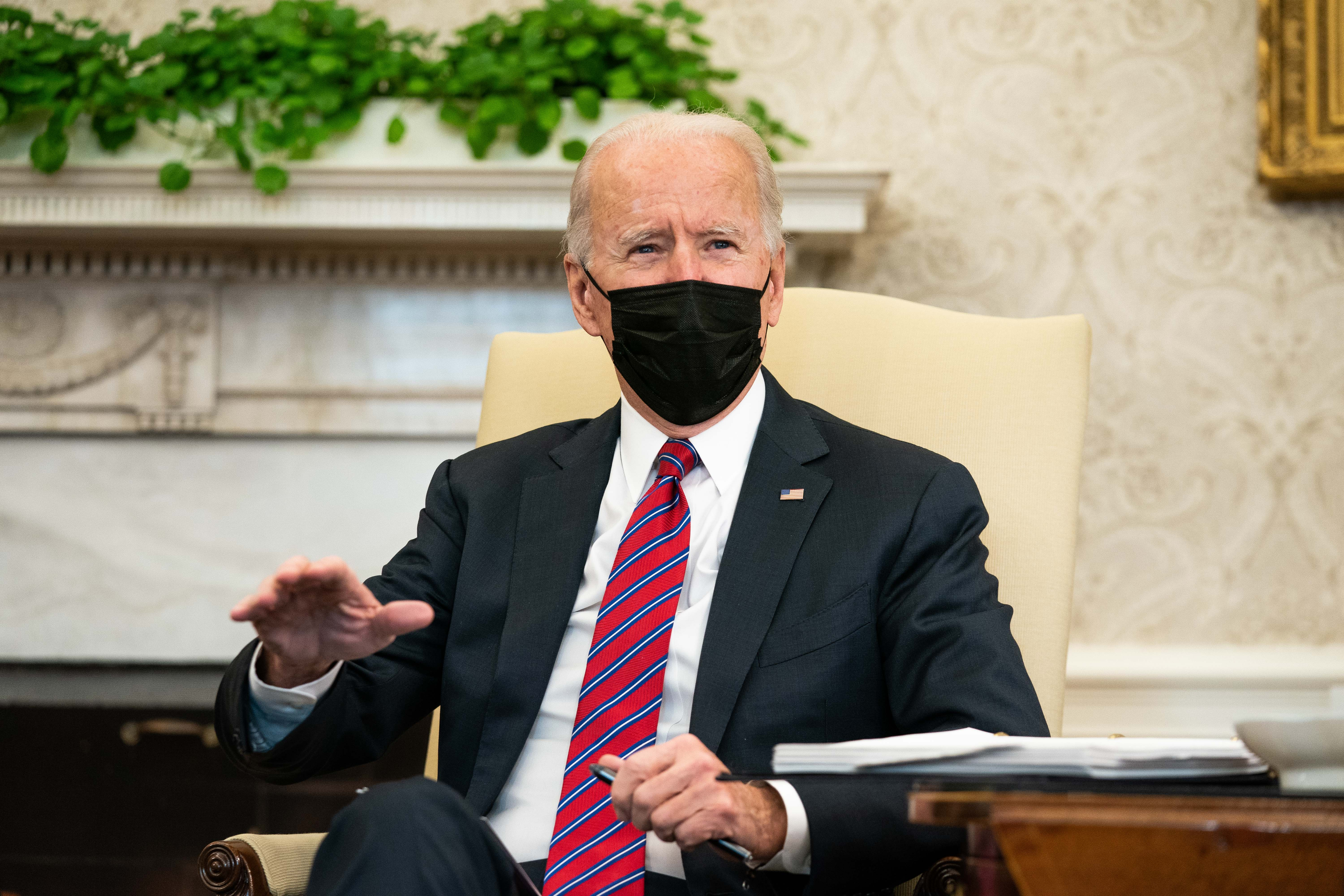 Biden hosts CEOs at the White House to try to build support for COVID-19 relief bill