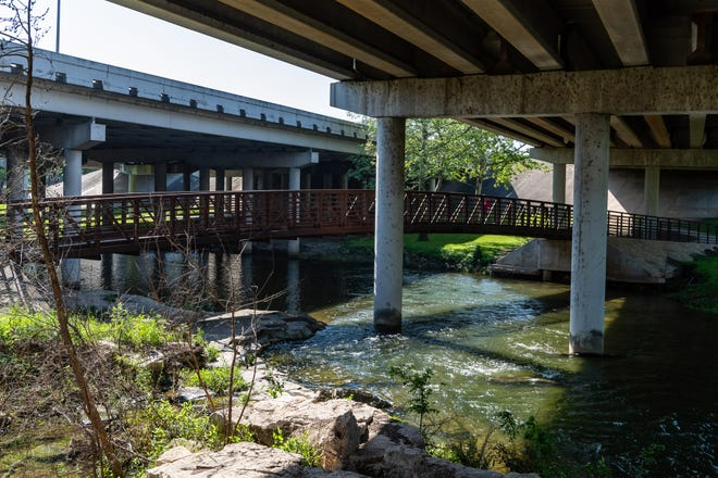 Memorial Park runs along the banks of Brushy Creek near downtown Round Rock, between Chisholm Trail Road and N. Lee Street. [Henry Huey for Round Rock Leader.]