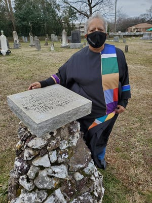 The Rev. Dr. Arnetta Beverly of St. Stephen United Methodist Church will lead a prayer commemoration service for the slaves buried in a mass grave at Lexington City Cemetery on Feb. 21.