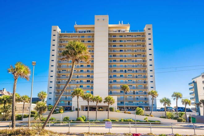 The endless amenities at 89 Oceanfront Condominiums include an on-site manager, a heated swimming pool, beach access, a storage area, a laundry area, meeting room, outdoor cooking area and assigned covered parking.