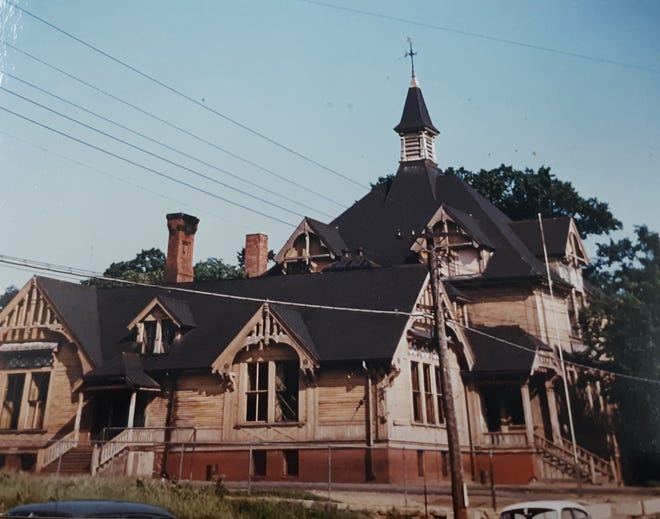 Burleigh School in Somersworth shortly before it was demolished in 1965.