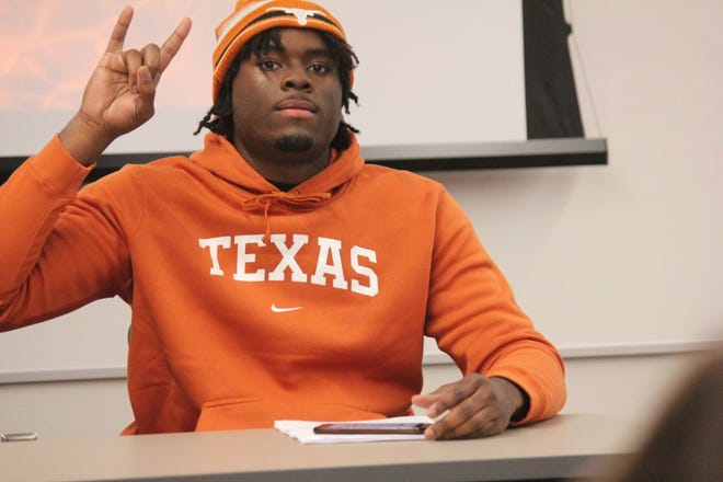 Three-star defensive end David Abiara could find early playing time his freshman season. The Mansfield Legacy product signed with Texas on Wedesday.