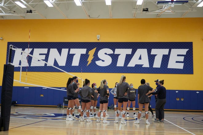 The Kent State volleyball team opened the 2021 season by sweeping host Central Michigan last week.