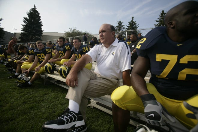 Kansas football on Tuesday tabbed Michigan offensive analyst Mike DeBord as the Jayhawks' new offensive coordinator. DeBord has nearly four decades of coaching experience, including stops at Tennessee, Indiana, Fort Hays State and with the NFL's Seattle Seahawks and Chicago Bears.