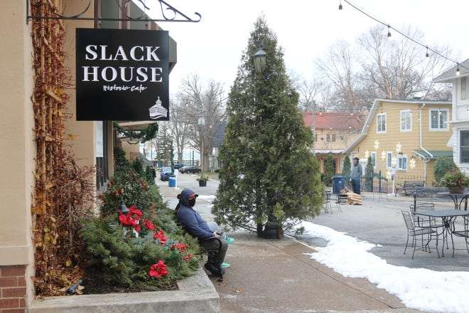 Lakeside is hosting its Fire & Ice Fest this weekend, offering activities for the whole family from ice carving to fire pits, where visitors can roast s'mores from the Slack House.