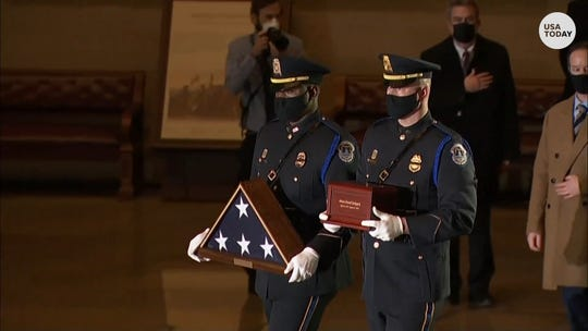 Officer Sicknick arrives in US Capitol