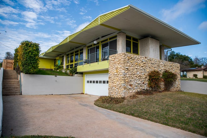The Phillips House at Martin Luther King Jr. Boulevard and Maple Avenue is an example of the high modernist designs of John S. Chase, the first Black licensed architect in Texas and the first Black student to graduate from the University of Texas School of Architecture.